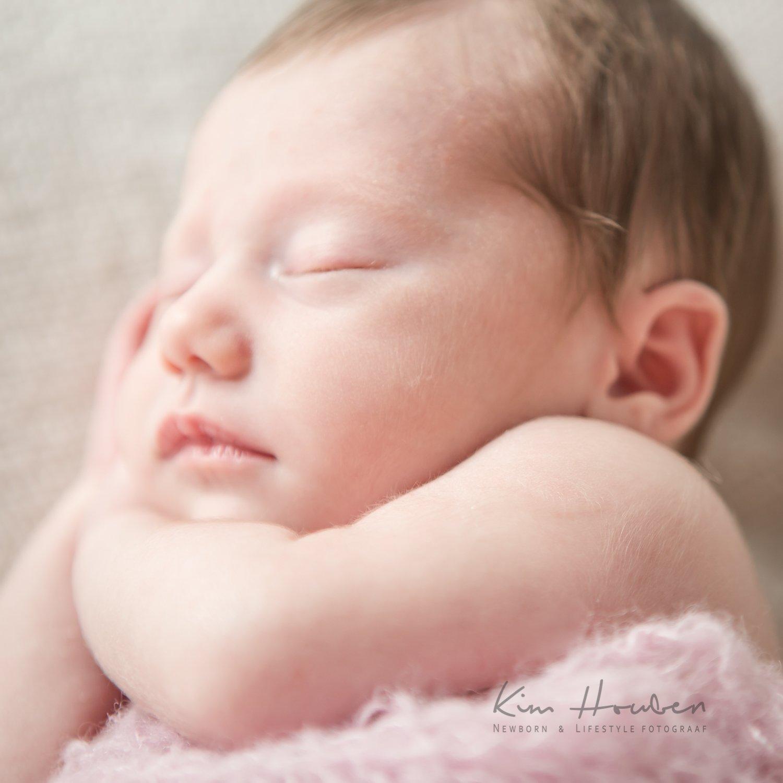 Fay-newborn-fotografie-limburg-kim-houben-01